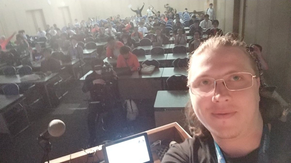 My selfie right before starting the keynote